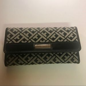 Tommy Hilfiger wallet never used